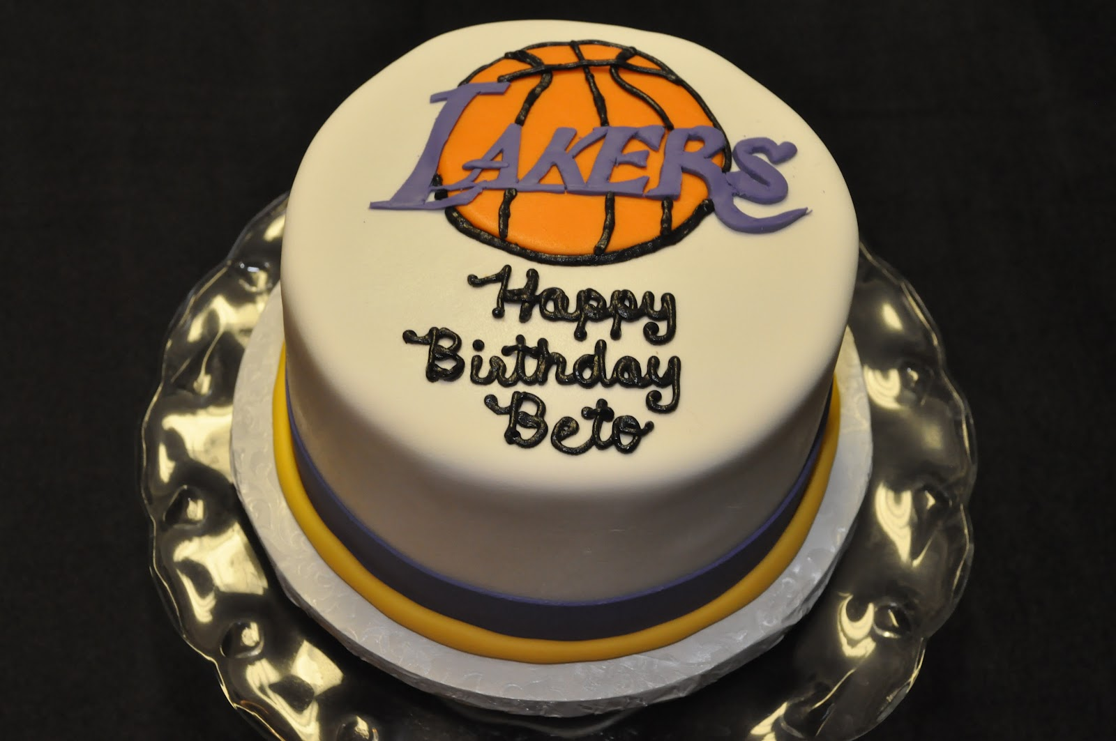 Bettys Batter Blog Guitar And Lakers Cakes