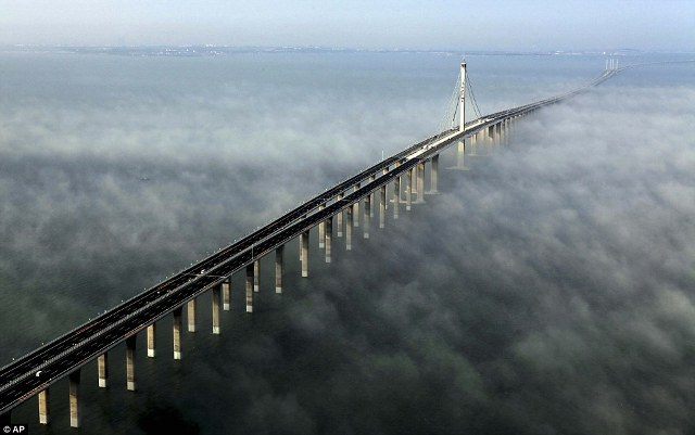 Jembatan Laut Terpanjang Di Dunia Telah Di Buka [ www.BlogApaAja.com ]