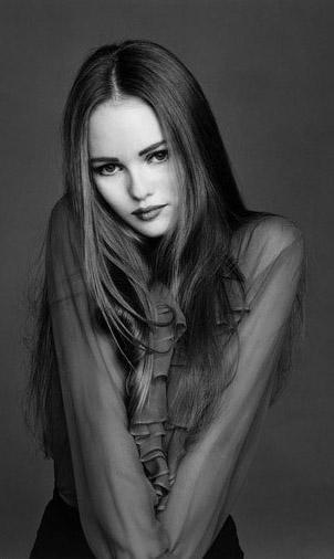 BIOGRAPHIES II: Vaness... Vanessa Paradis