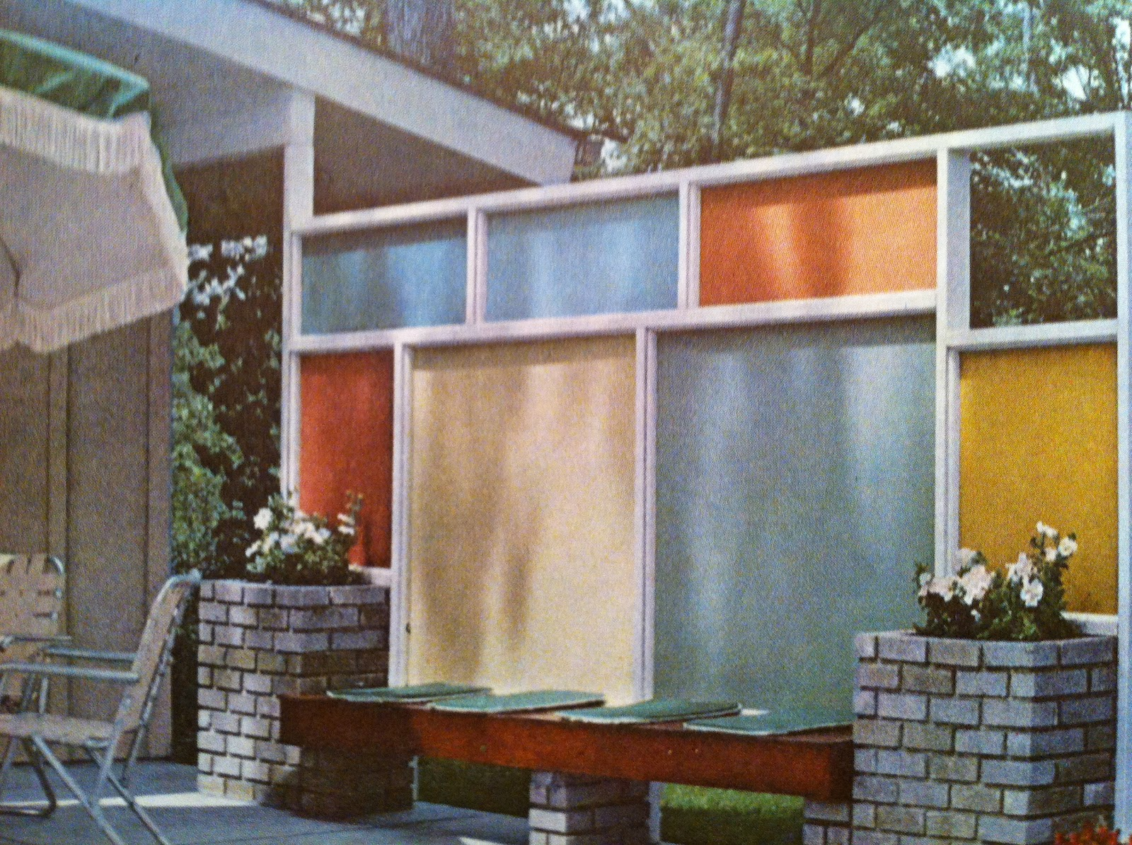 Mid century modern fences part 1 livemodern your best Mid century modern design ideas