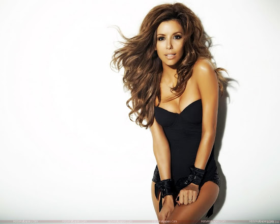 Hollywood Actress Eva Longoria Wallpaper in Black
