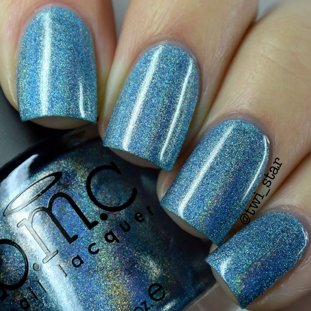 Bundle Monster Holographic Polish Blue Me Away swatch