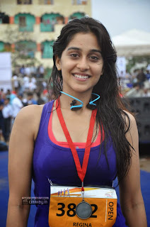 Actress-Regina-Stills-at-Hyderabad-10k-Run