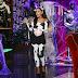 Ariana Grande se disfraza de vaca en Halloween.