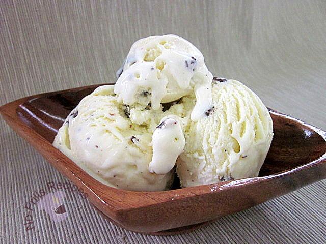 No-Frills Recipes: Vanilla Bean Ice Cream
