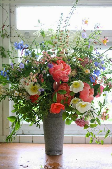 Floral arrangements dreaming gardens for Garden arrangement