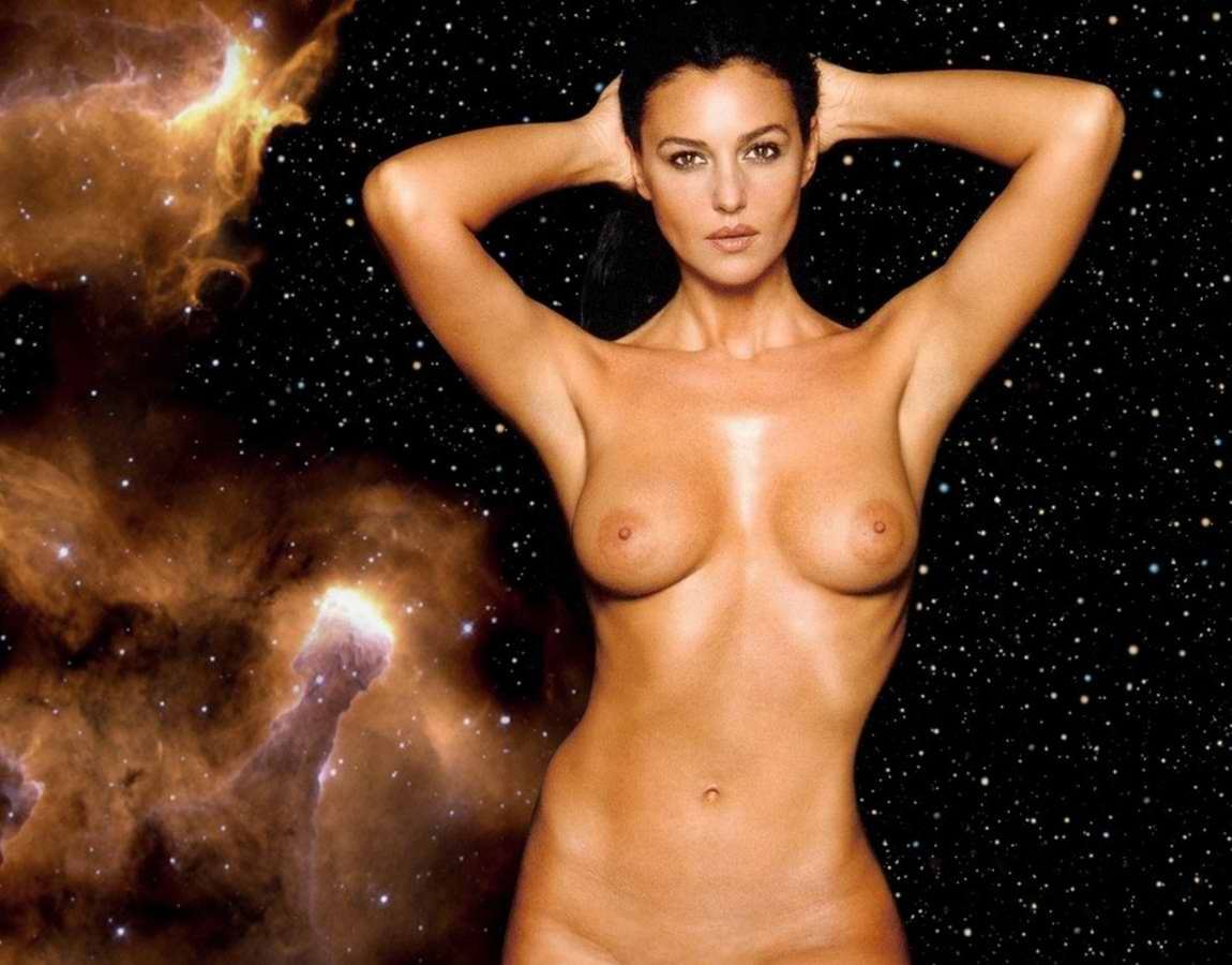 Monica Bellucci: Monica Bellucci Breast Pics