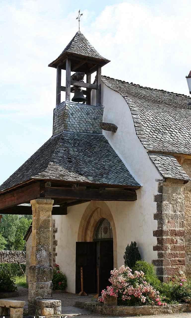 Campanário da capela dos Penitentes em St Côme d'Olt, França