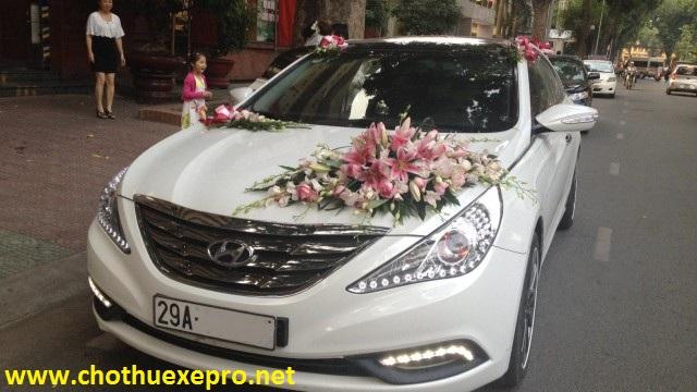 Cho thuê xe cưới Huyndai sonata giá rẻ tại Hà Nội