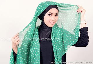 Cara Memakai Hijab Pashmina Chiffon Motif