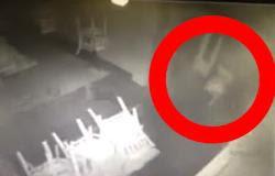 ΑΝΑΤΡΙΧΙΑΣΤΙΚΟ: Φάντασμα νεκρού κοριτσιού βολτάρει σε εστιατόριο [Video]