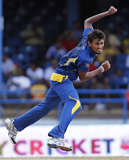 Suranga-Lakmal-Final-India-vs-Srilanka-Tri-Series-2013