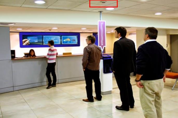 Escuela de indignacci n varios bancos y cajas dotan a sus for Oficinas de banco financiero