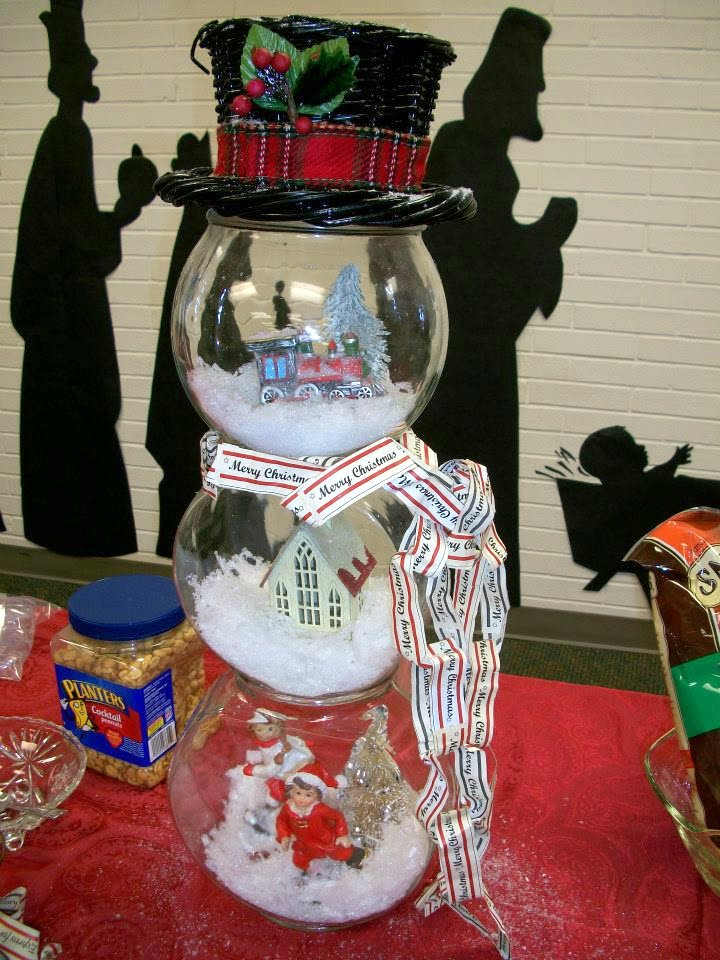 prior fish bowl snowman snowglobe
