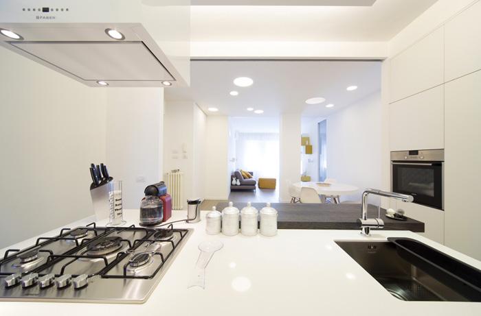 Interior Relooking: Come rendere più grande una cucina piccola