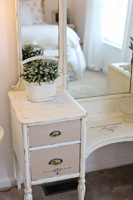 chalk paint vanity make over