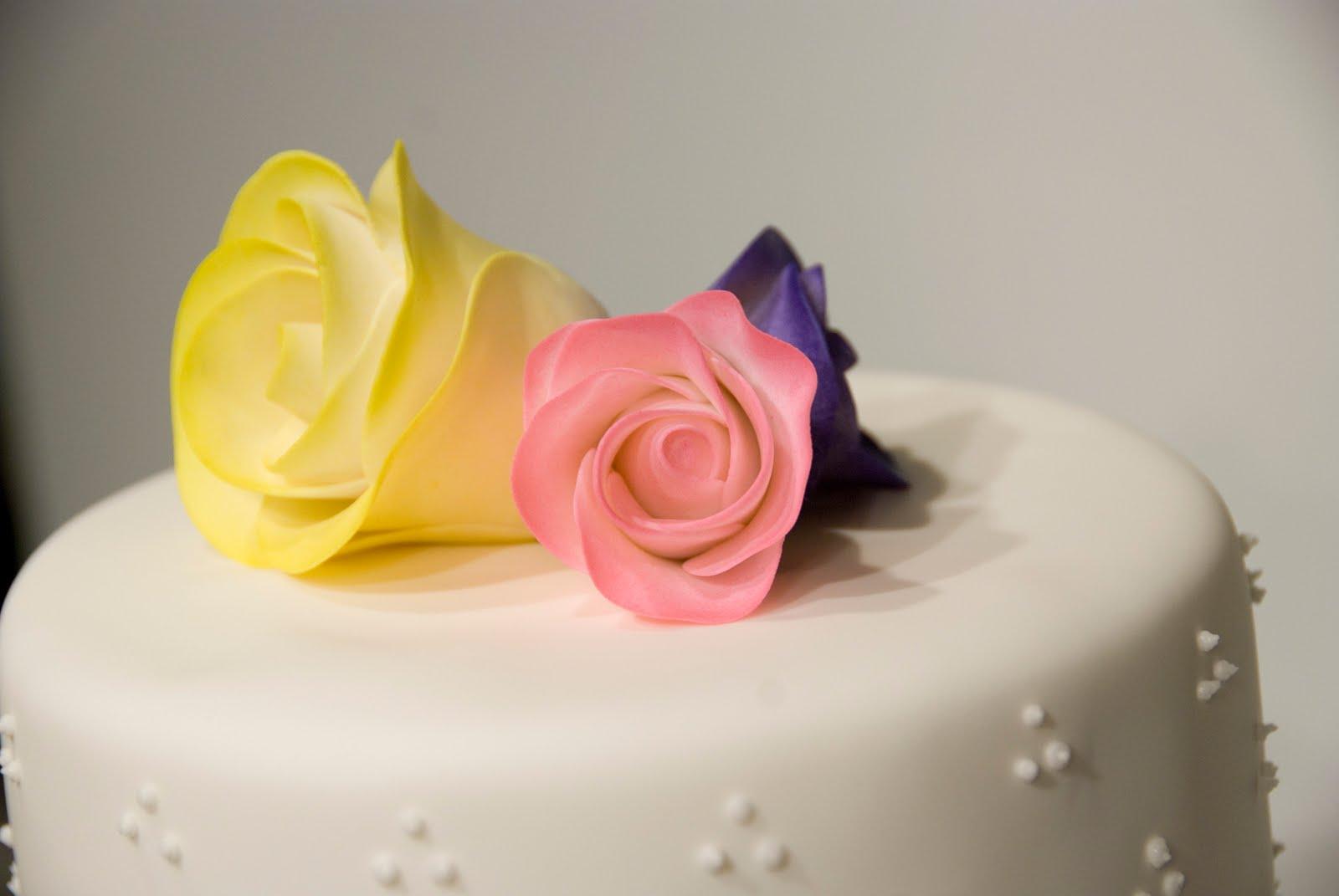 bake me a Kake Rose Wedding Cake