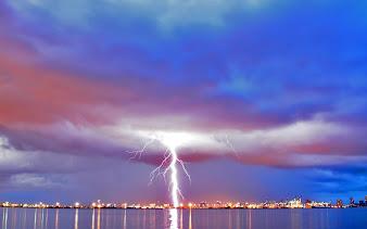 #4 Lightning Wallpaper