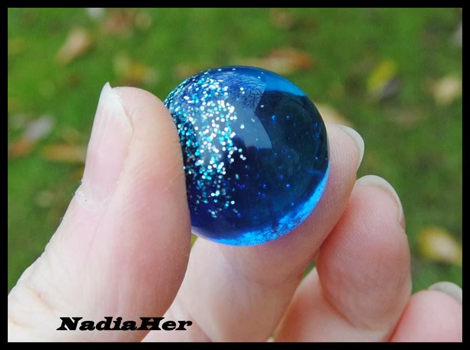 Les bijoux de nadia boule en r sine epoxy cristal p b o de chez g d o - Resine epoxy cristal ...