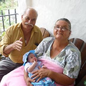 MIS AMADOS PADRES ( DON TEODULFO Y DOÑA ÁLIDA) CON ORGULLO DE SER SU HIJO