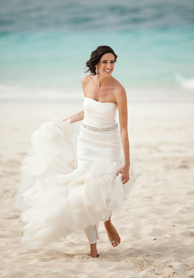 Memorable wedding beach wedding dresses for hawaiian or for Beach themed wedding dress