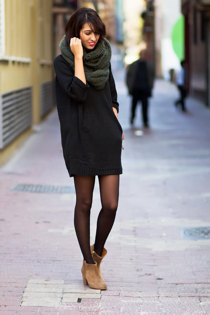 Vestido de punto con botines