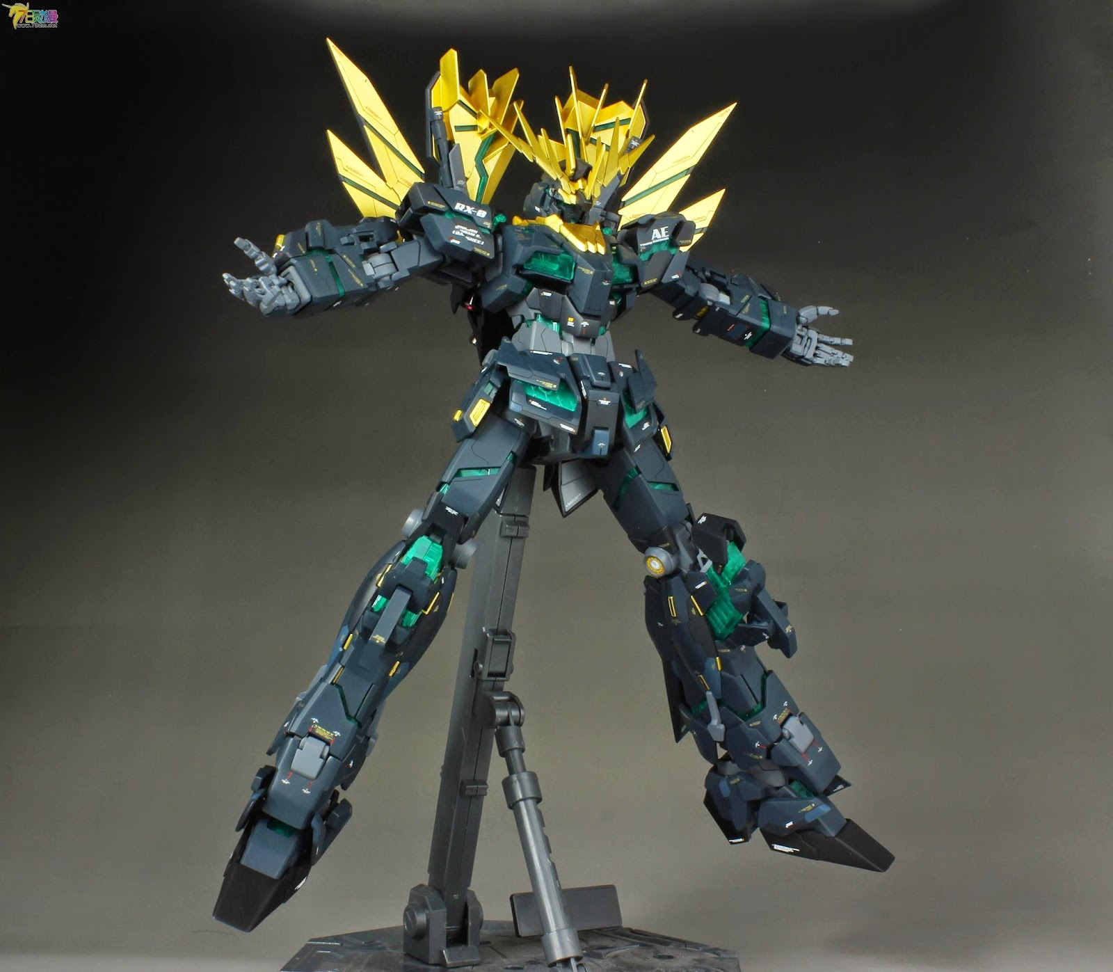 Gundam Family: MG 1/100 Unicorn Gundam 02 Banshee Norn ...