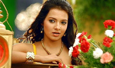Adorable Stills Saloni most hhoottest unseenn photogallery Beautyful