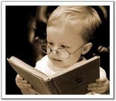 si se trata de buenos regalos un libro resulta siempre una buena opcin quizs solo debers informarte que tipo de lectura le agrada a tu intercambio