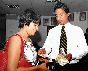 Kumar Sangakkara Wife Yeheli Sangakkara Celebritiescouples