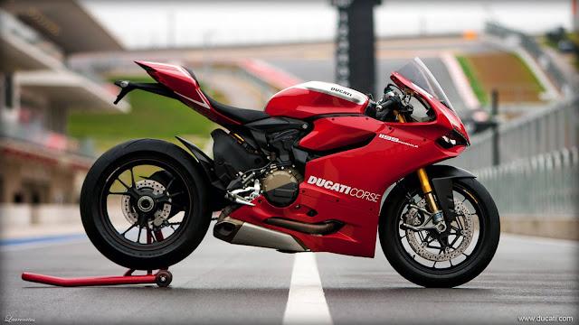 Superbike-Ducati-1199-Panigale-R-2013_1
