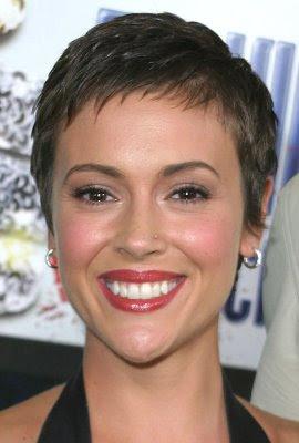 http://2.bp.blogspot.com/-J-zqMT92ukM/Trjs34IuDcI/AAAAAAAAAuk/iRo2P-pj7wE/s400/Short+Hair+styles.jpg