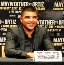 What is the height of Victor Ortiz?