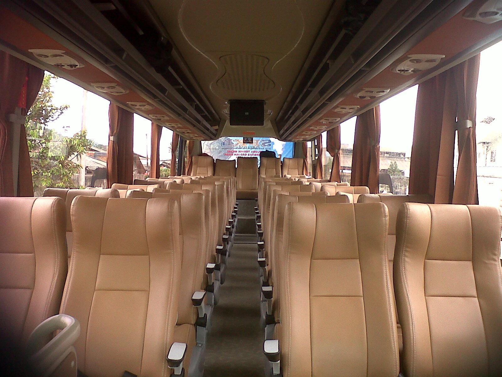 PANDANARAN HOLIDAYS SEMARANG: Bus Pariwisata