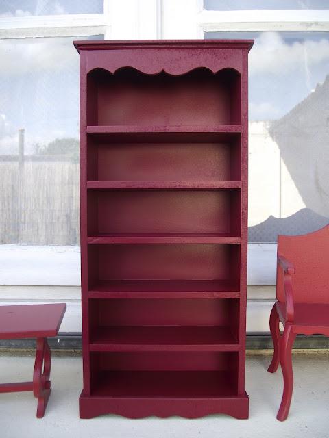 Les poup es de krystal meubles pour monster high relooking for Restaurer vieux meuble