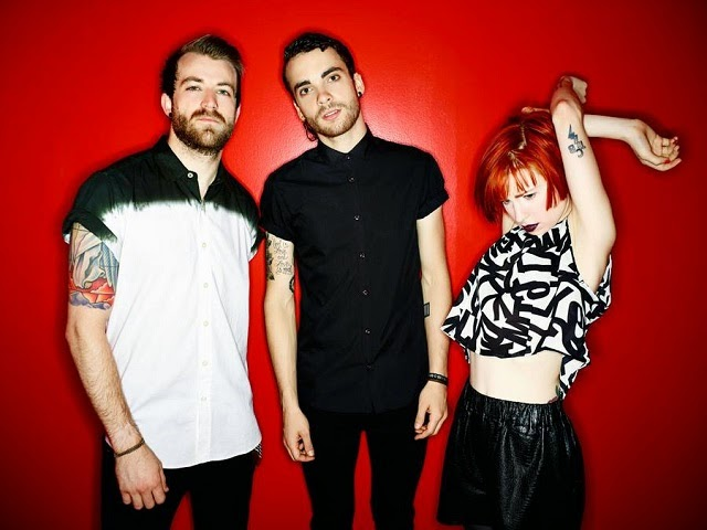 "Paramore apresenta ""Ain't It Fun"" ao vivo, em programa americano,"