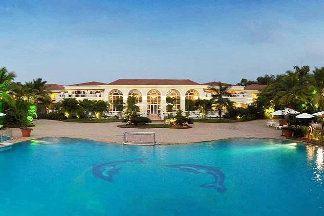 The Zuri Beach - Experience the backwaters of Kerala from a luxury lake hotel and resort in Kumarakom
