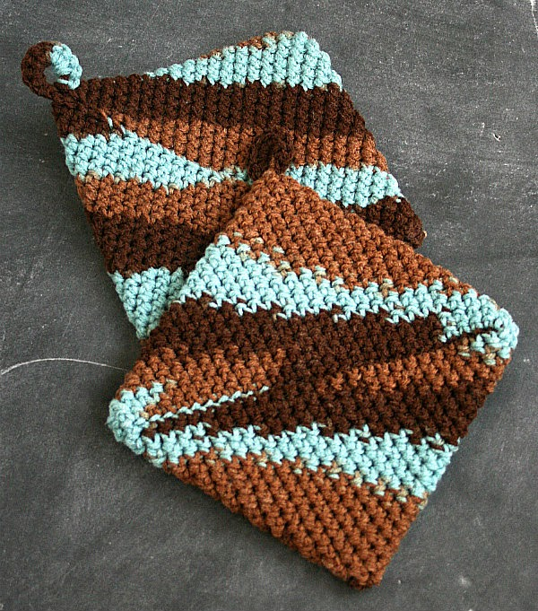 Crocheting Hotpads : Easy Crocheted Hot Pads {DIY Christmas Gifts Under $20} with # ...