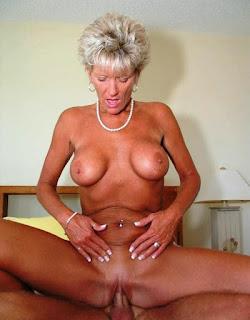 Nude Selfie - rs-c46-727796.jpg