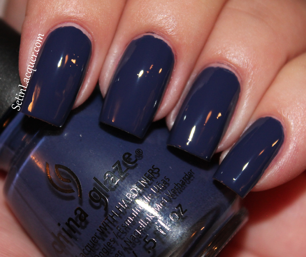 China Glaze - Queen B