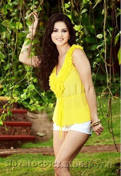 Sunny Leone Sexy Wallpapers | Sunny Leone Hot Photos