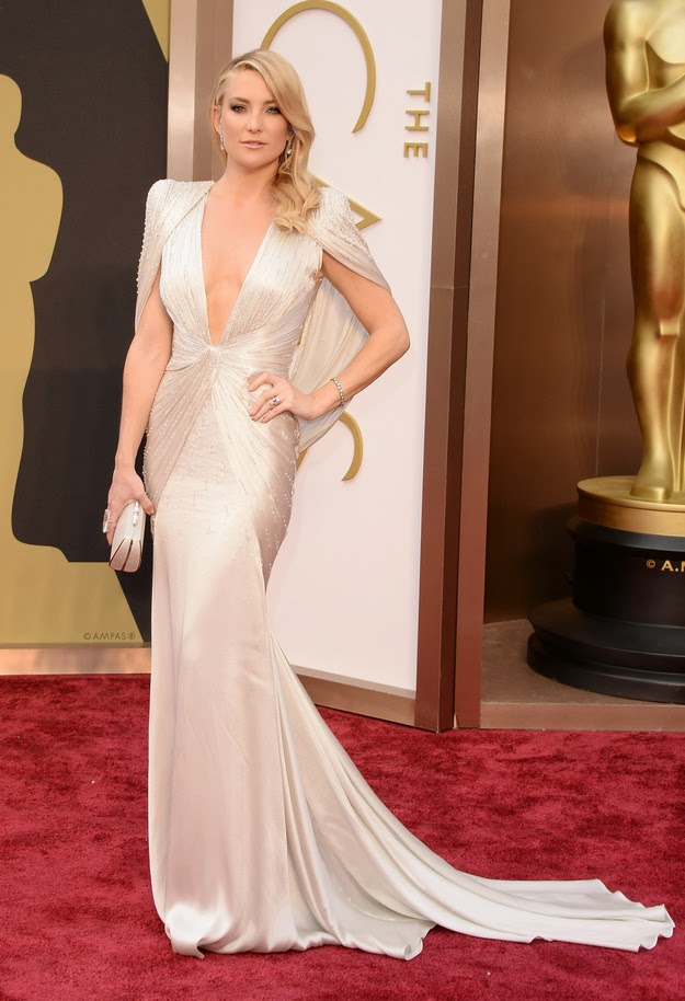 Kate Hudson in Versace at the Oscars