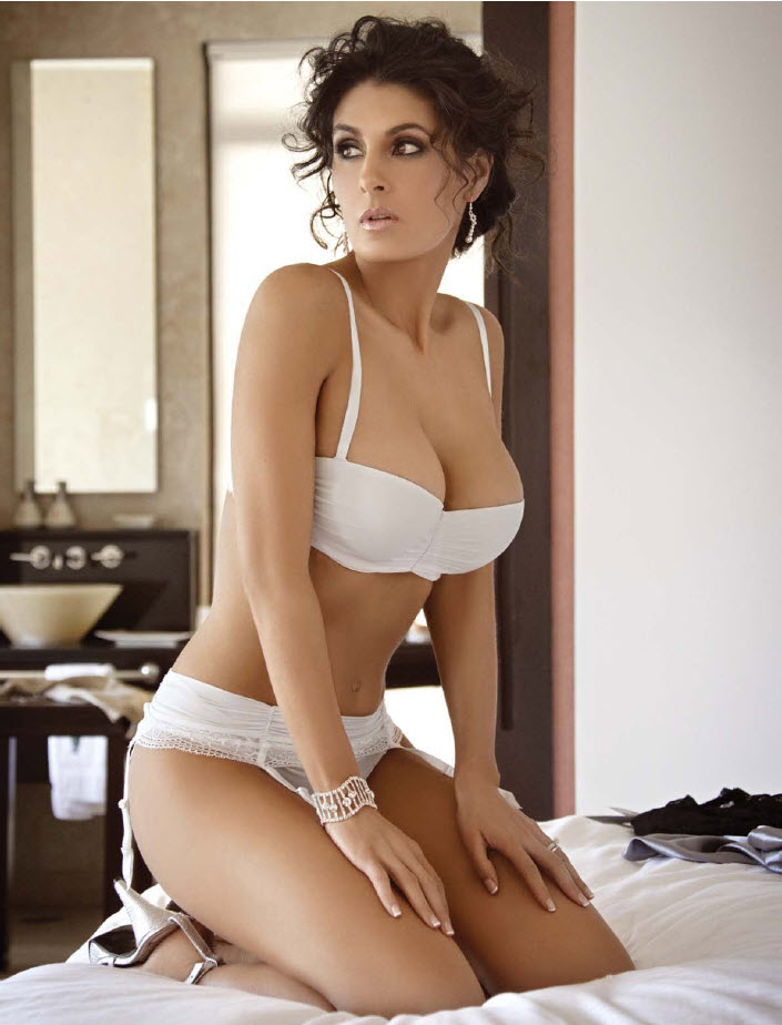 Mayrin Villanueva Nude