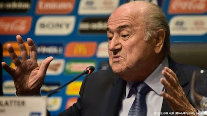 UEFA leaders tell Blatter to quit FIFA presidency
