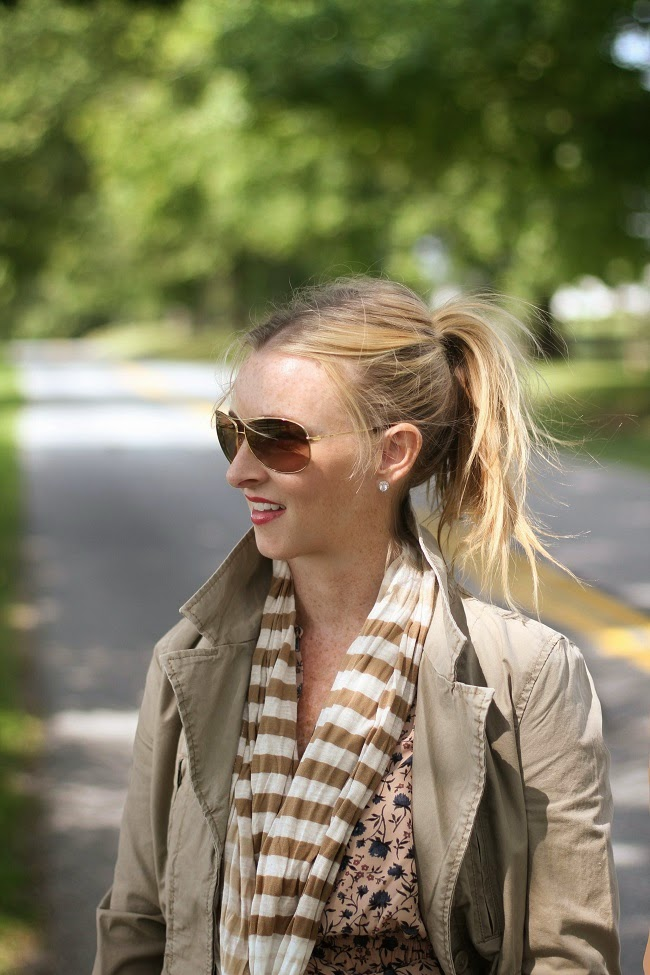 high pony tail, ray ban aviator sunglasses