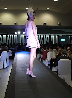 Dolores Costura en Desfile Gala Asindown