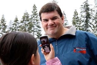 <img alt='Ponsel di Dunia' src='http://i46.tinypic.com/9uujhs.jpg'/>