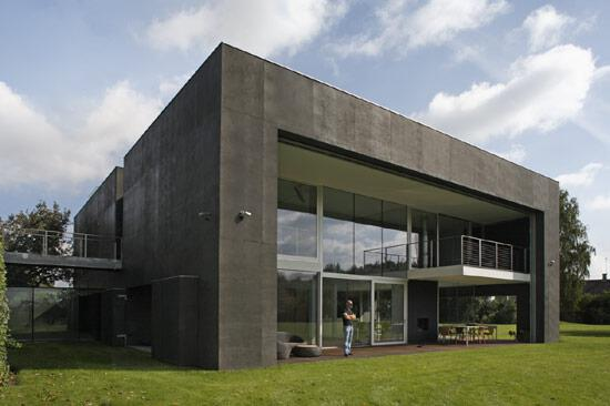 Al Fin The Next Level: Creative Use of Concrete Shutters for Zombie Zombie Proof House Design Farm Html on