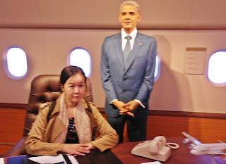 President Obama at Grevein Museum Seoul | www.meheartseoul.blogspot.sg