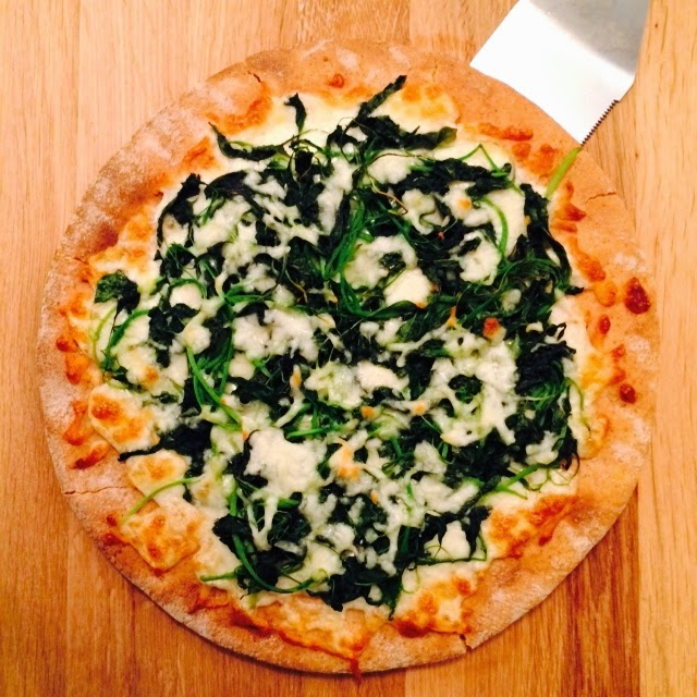 Homemade Healthy Spinach and Cheese Pizza Recipe